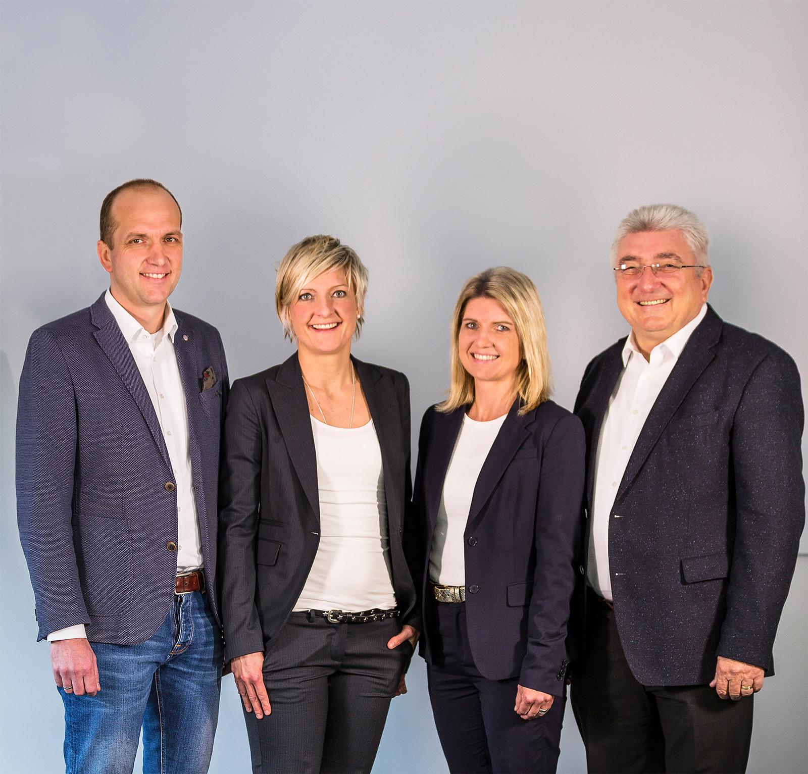 Familie Schuon: Alexander Schuon, Bianca Kuppetz, Sandra Grimm, Theo Schuon (v. li. nach re.)